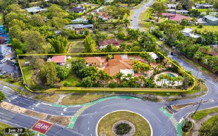 Property photo of 2 Clarence Drive Helensvale QLD 4212
