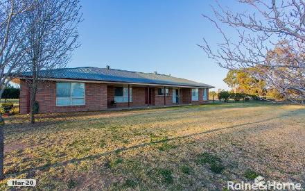 Property photo of 10 Mary Road Cowra NSW 2794