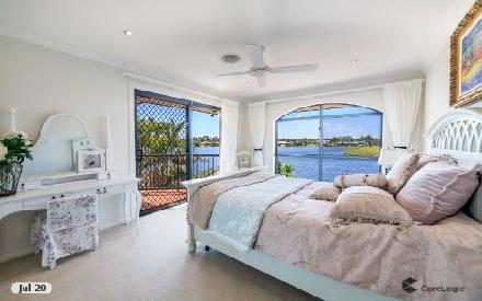 Property photo of 28 Clear Water Bay Avenue Clear Island Waters QLD 4226