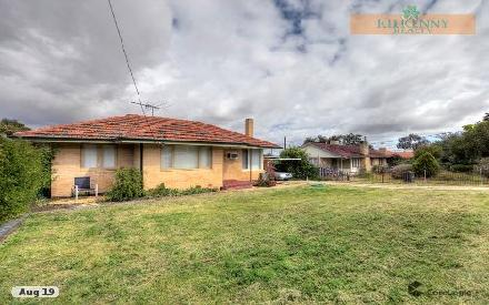 Property photo of 15 Clianthus Way Koongamia WA 6056
