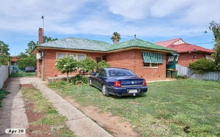 Property photo of 3 Bluett Crescent Turvey Park NSW 2650