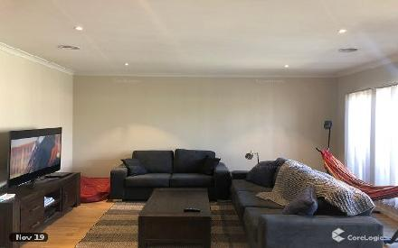Property photo of 8 Rhynhurst Street Clyde North VIC 3978