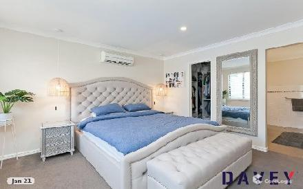 Property photo of 11 Brazier Rise Padbury WA 6025