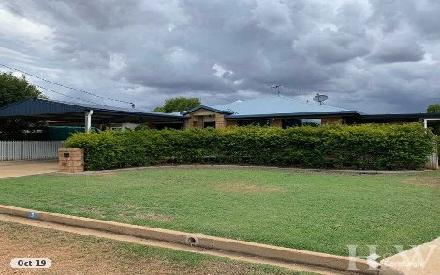 Property photo of 3 Monash Court Clermont QLD 4721