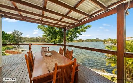 Property photo of 190 Port Jackson Boulevard Clear Island Waters QLD 4226
