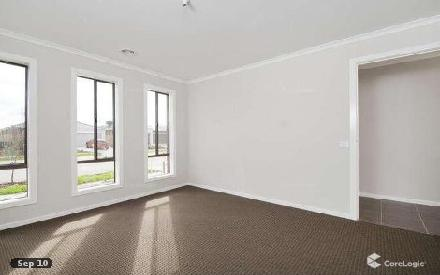 Property photo of 13 Grassbird Drive Point Cook VIC 3030